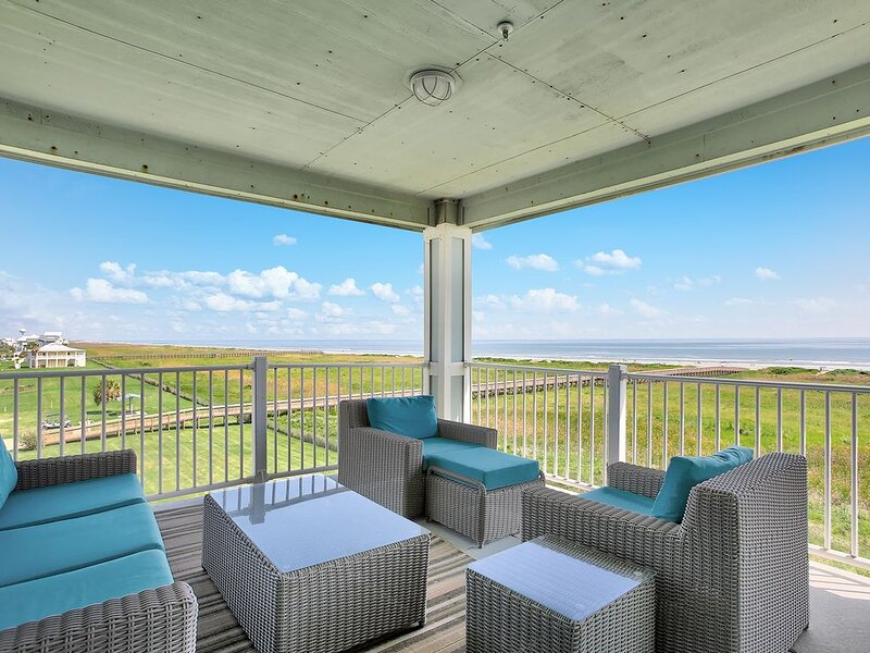 Beachfront!! Book Now For Vacation Fun at Bright Side!, holiday rental in Jamaica Beach