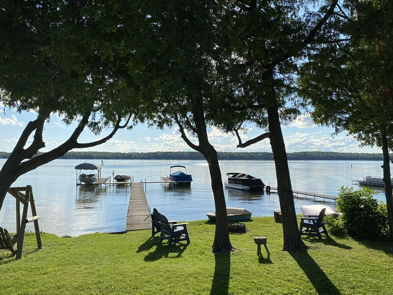 Lakefront Cottage with Sensational Sunsets!, location de vacances à Door County
