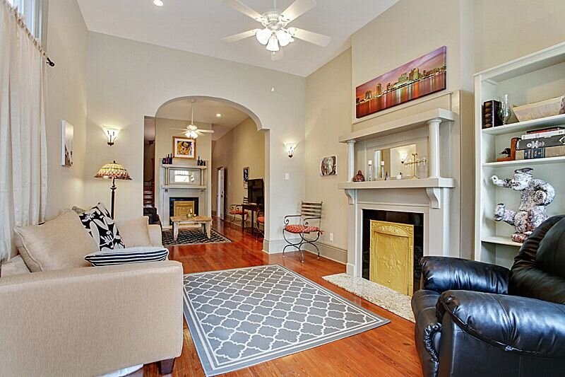 Spacious and Comfy, Walk to Whole Foods, bars and shops, holiday rental in New Orleans