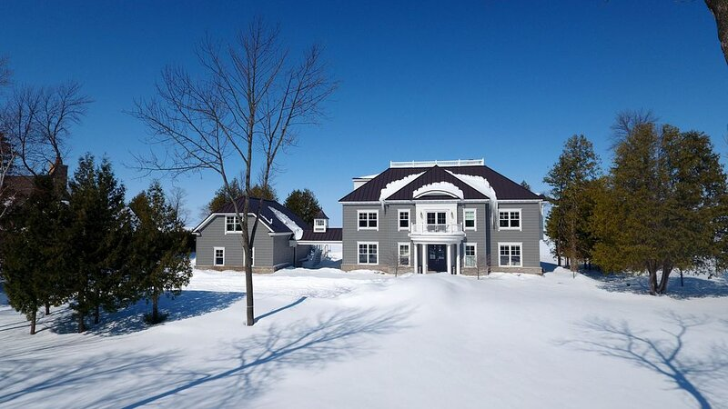 Luxurious Door County Waterfront Home - Ideal for Winter Escape, location de vacances à Door County
