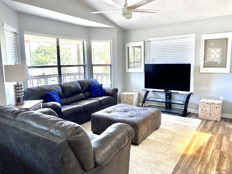 Contemporary Waterfront Beach House In Hudson short paddle to the Gulf of Mexico, holiday rental in Hudson