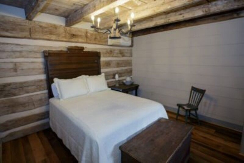 Inn at Meadowcroft, a restored 1795 Log Cabin,George Washington Swoope, Jr Suite, alquiler vacacional en Staunton