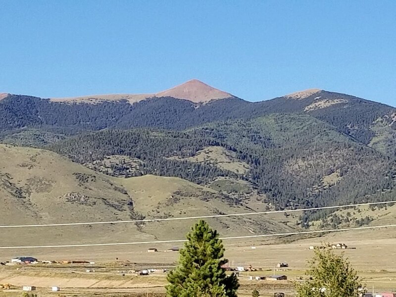 Peaceful/Beautiful Mountain Views & centrally located to all the mountain fun, vacation rental in Eagle Nest