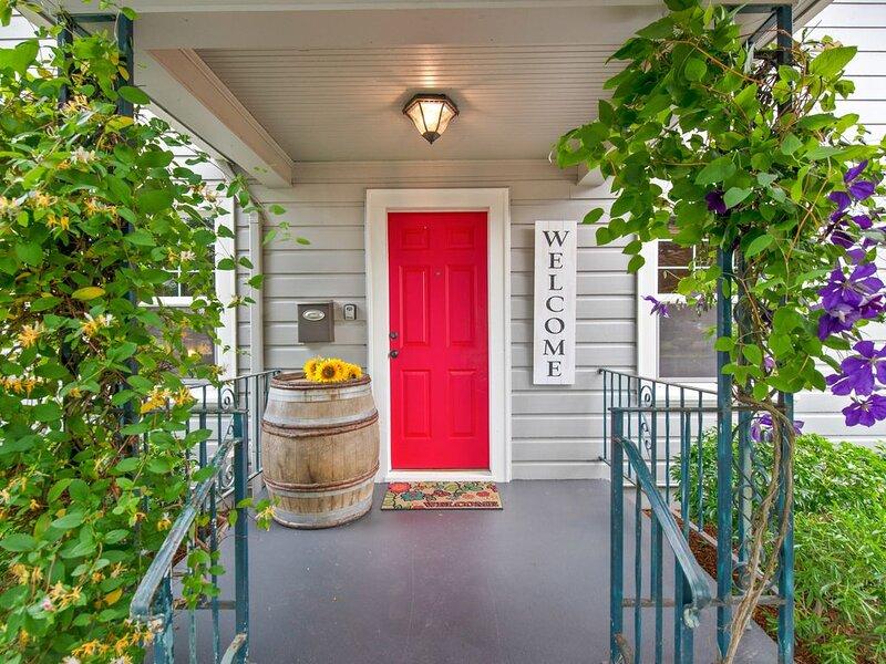 Wine Country Farmhouse, Walk Downtown, Patio, BBQ, & Outdoor Heat (Sanitized), location de vacances à Amity