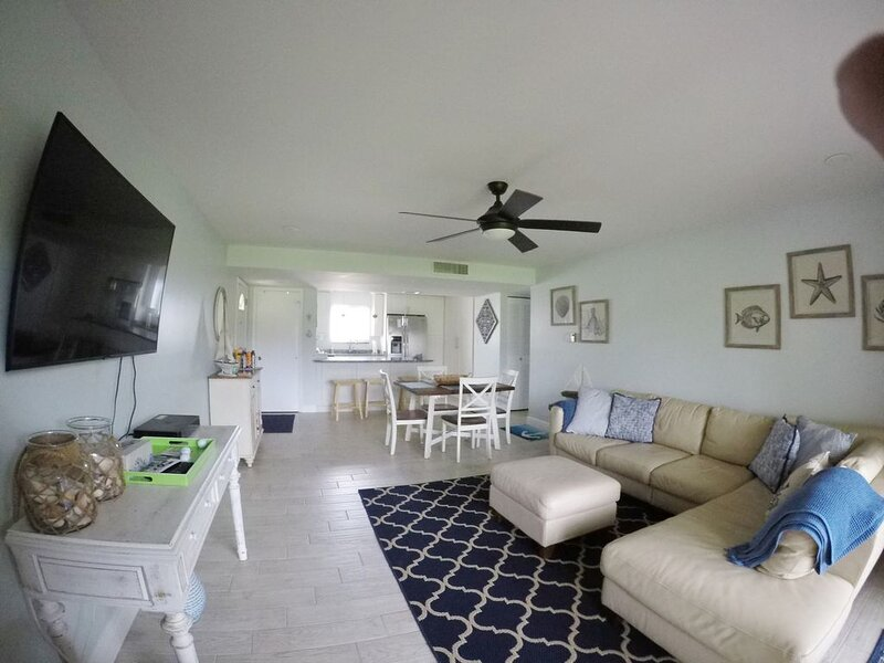 Hutchinson Island Ocean Village FL 2/2 Golf View, holiday rental in Fort Pierce