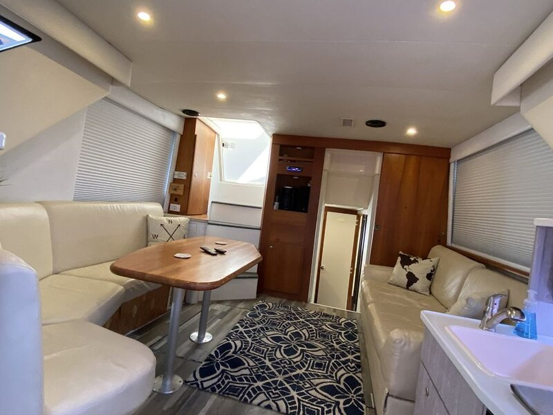 2 Bedroom Yacht in Downtown Tampa, vacation rental in Tampa