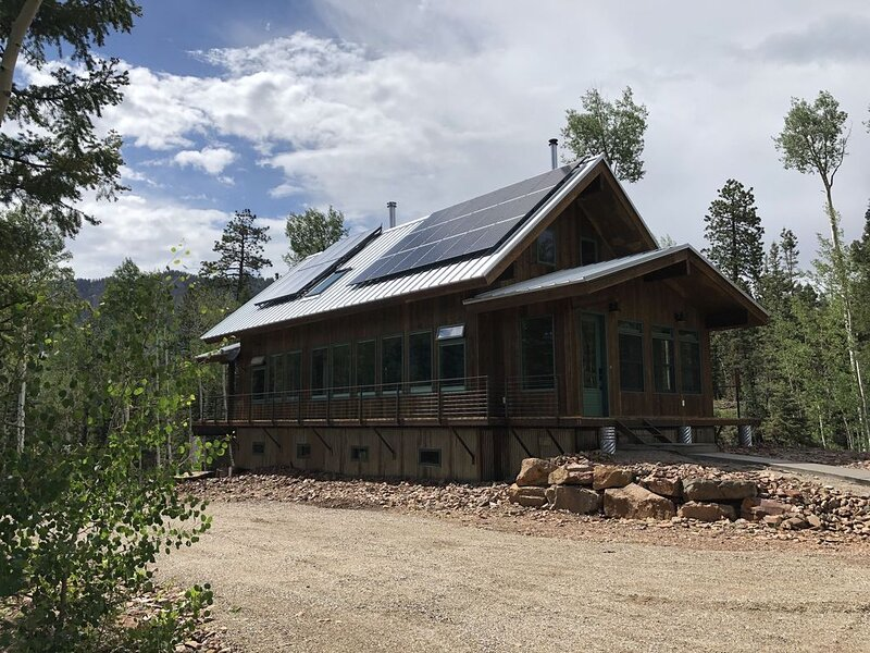 Ultra Green Modern Mountain Home - Dogs Welcome, holiday rental in Durango Mountain