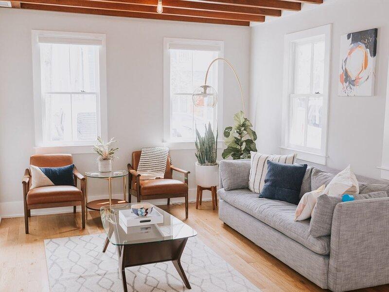 Brand New Downtown 2 Bedroom Apartment- One Block From Upper King St., alquiler de vacaciones en Charleston