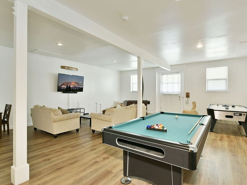 Spring Hill - Retreat & Game Room in Mount Shasta, vacation rental in McCloud