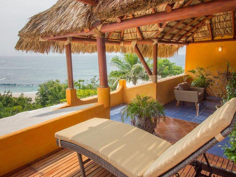 Salchi Bay Beach House, vacation rental in Puerto Angel