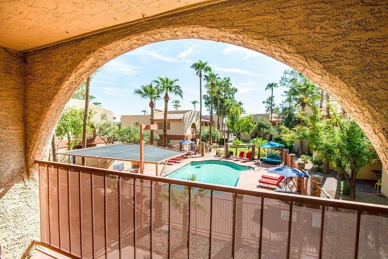 77 Sunny Casa Grande 2bd 2ba condo w heated pool, vacation rental in Arizona City