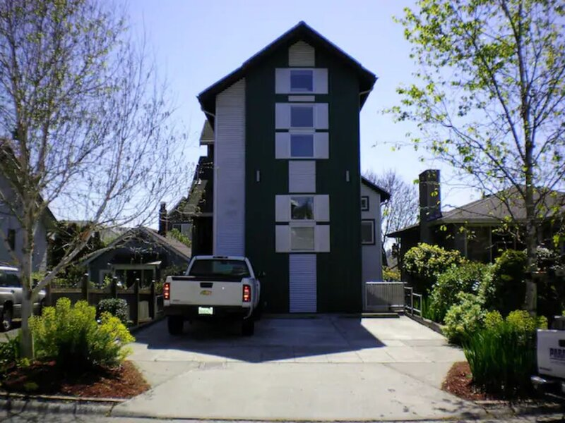 Ballard Cozy, Warm & Private Home Apartment., vacation rental in Seattle