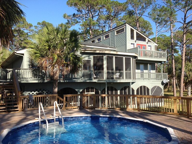 Keaton Beach Waterfront Retreat on Six Acres - Airboats Welcome!!!, holiday rental in Salem