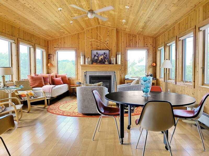Designers Own Year-Round Hudson Valley Getaway Cottage, holiday rental in Hudson