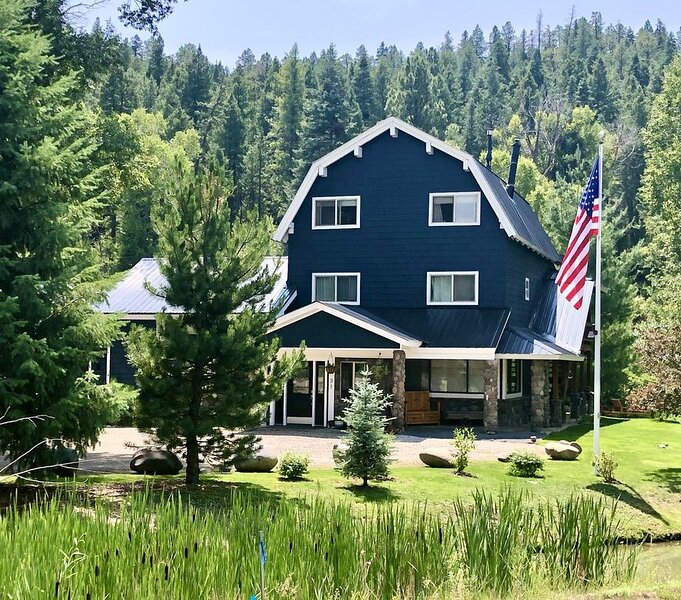 VR19-376 - Closest 4 bedroom river front to Wolf Creek Ski Resort, casa vacanza a Pagosa Springs