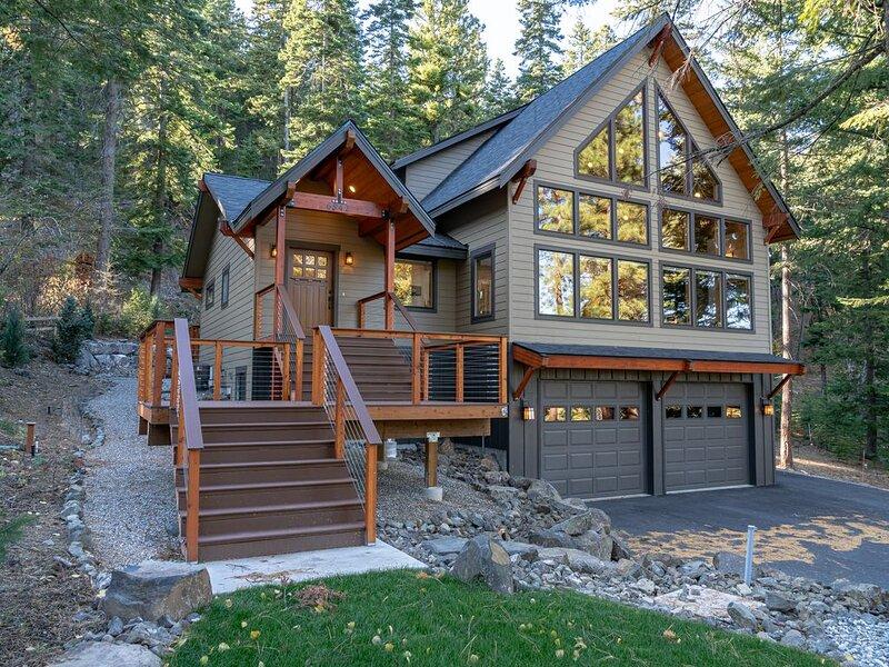 Mountain Retreat, steps from Skiing � Mountain biking �♀️ and Hiking, location de vacances à Wenatchee
