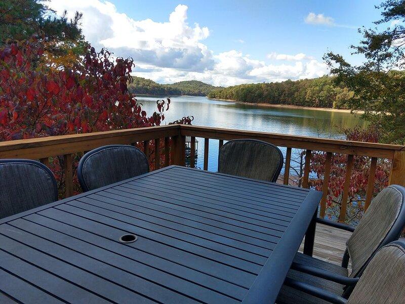 Watersedge on Lake Blue Ridge, holiday rental in Morganton