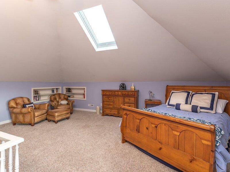Harstad Suite at Elkader Jailhouse Inn, holiday rental in Prairie du Chien