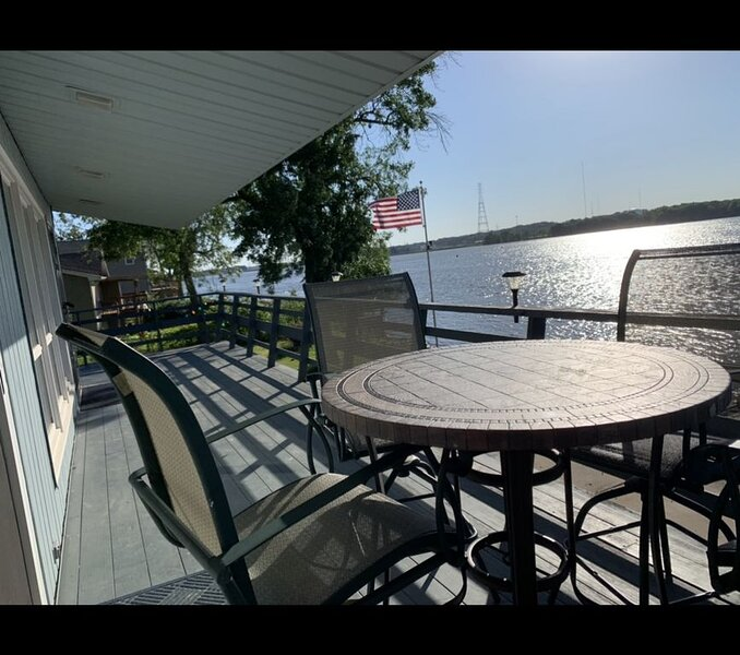 Island House On Mississippi River, holiday rental in Port Byron