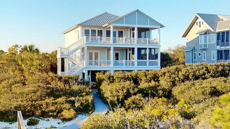 Beachfront, 4 BR/ 4.5 BA, Private Pool, Plantation, 'Le Reve', location de vacances à St. George Island