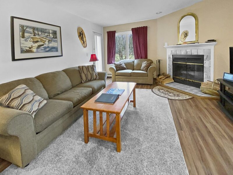 Parking Reservation Included at Pico Ski in and Ski Out, vacation rental in Killington
