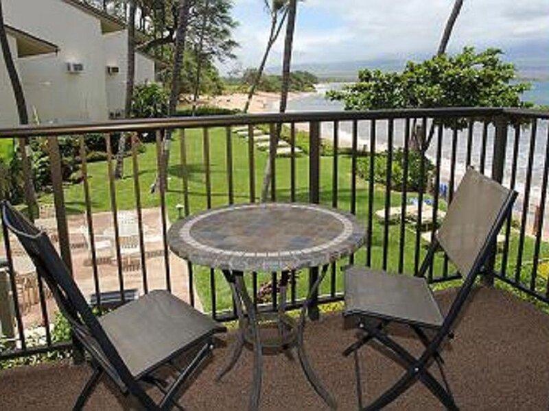 HK-B4 - Maui Vacation Rental Charming - Beachfront Condo at Ma'alaea Bay, aluguéis de temporada em Kahului