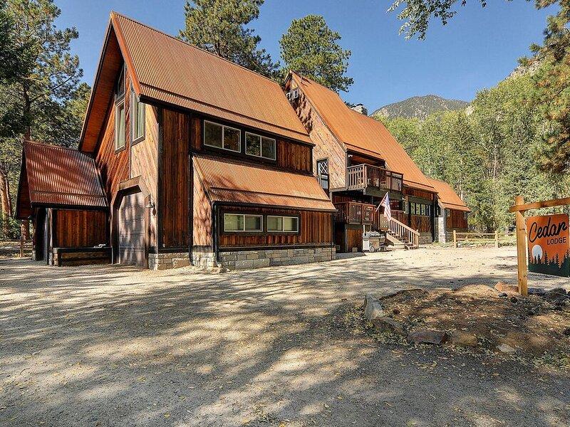 New Cedar Lodge - Chalk Creek Canyon, casa vacanza a Nathrop