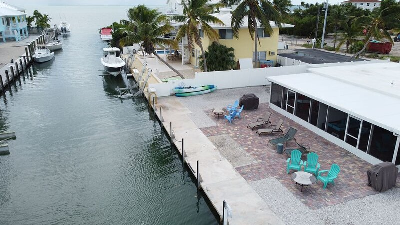 Keys Waterfront Half-Duplex, Ocean side 37' Dock,, vacation rental in Marathon Shores