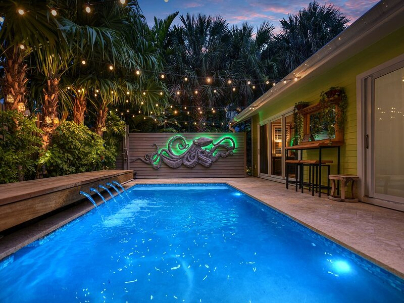 Steps From Duval St. Historical Charm Meets Modern Design In Old Town Key West, holiday rental in Stock Island
