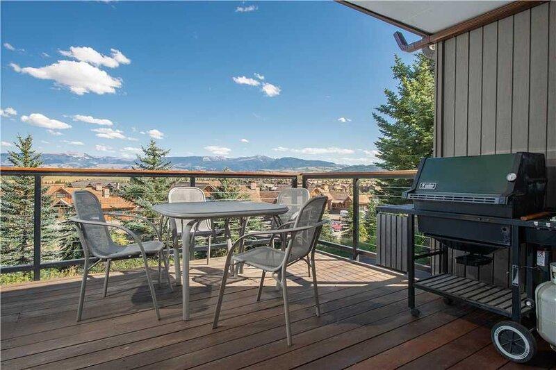 RMR: Convenient Snow Ridge Townhouse for 10, vacation rental in Teton Village