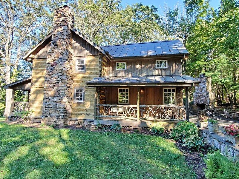 Overlook Cabin Atop the Blue Ridge Mountains, alquiler vacacional en Roanoke