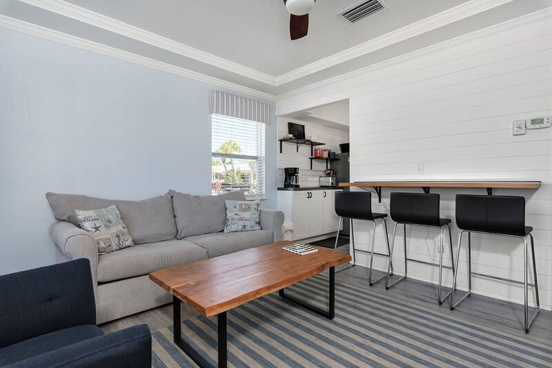 Cozy cottage on Casey Key, holiday rental in Laurel