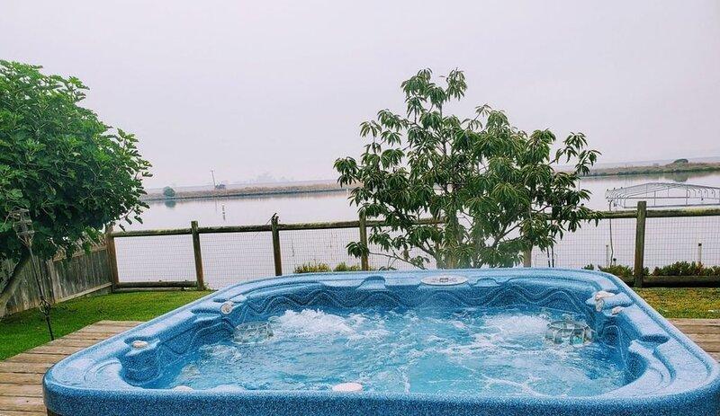 Wetlands Getaway with Waterway Access, vacation rental in Novato