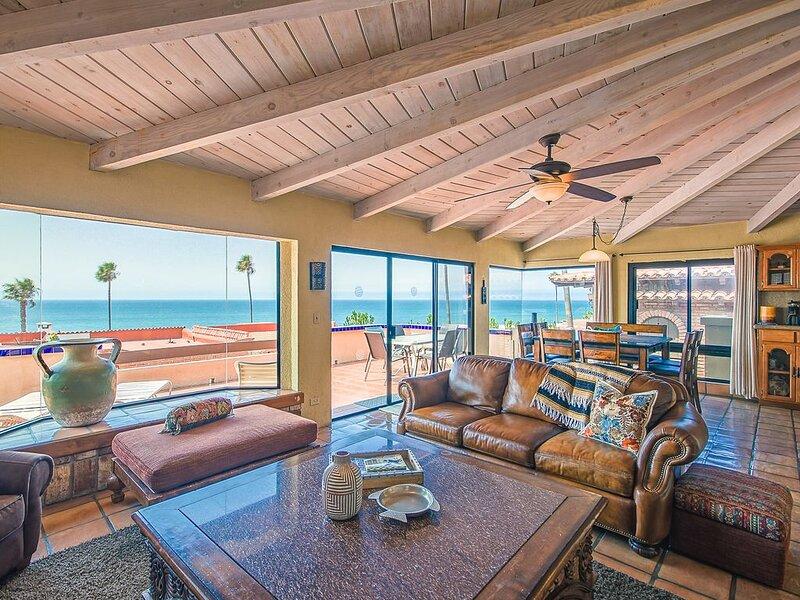 Amazing 6 Bedroom Home in Las Gaviotas!! Call Today!!, aluguéis de temporada em Baja California Norte