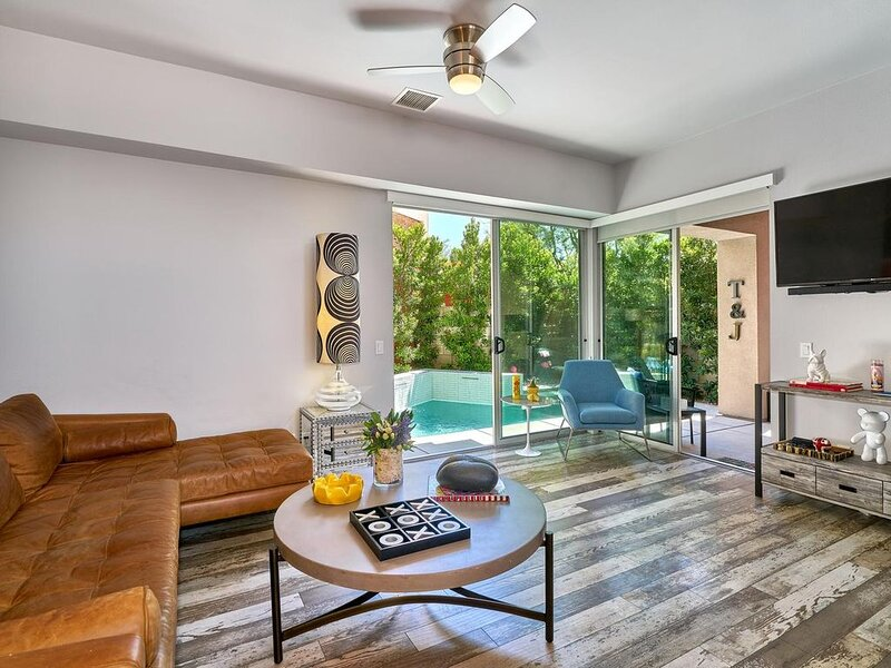 Fun & Hip Designer Condo Perfect for Family or Friends, vacation rental in North Palm Springs