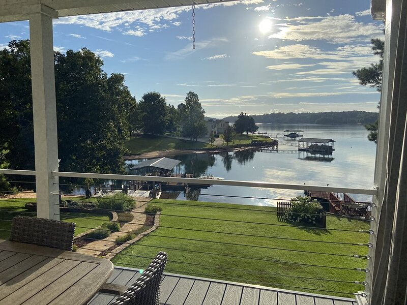 Lakefront Home with Private Boat Ramp, vacation rental in Seneca
