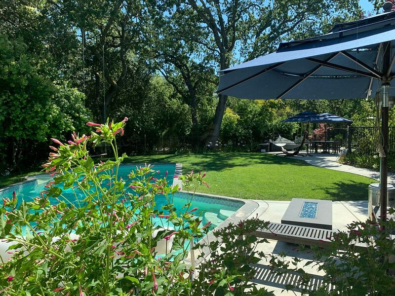 Modern Los Gatos estate - Perfect for working and schooling from home, location de vacances à Boulder Creek