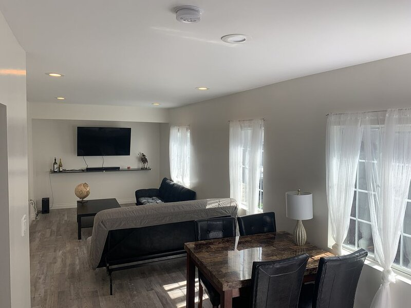 New Apartment near LAX and Downtown, holiday rental in Downey