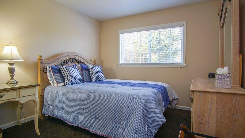Unit B Queen Bedroom 333 Juanita Oceano Vacation Rental