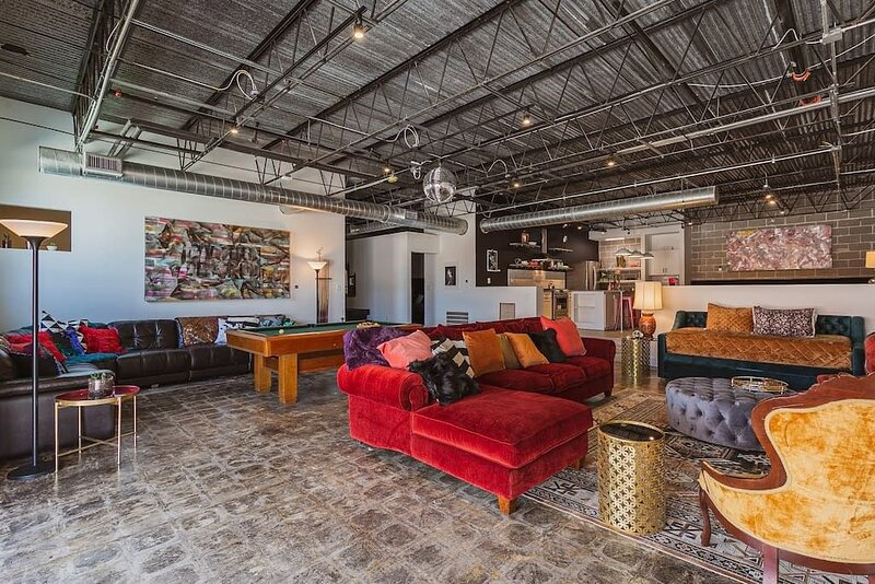 Texas Avenue BNB | The Disco Suite, holiday rental in Houston