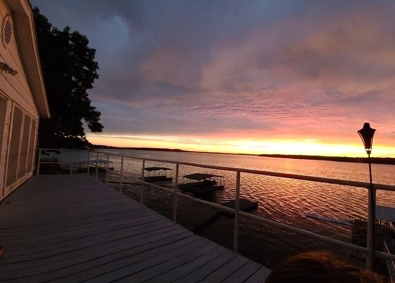 South Grand Lakefront Oasis with Dock and Wraparound Deck!, location de vacances à Eucha