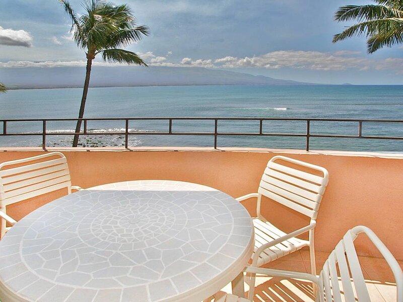 IS310 - A BOOM! Oceanview and More Condo on Maalaea Bay is an Incredible Value!, holiday rental in Maalaea