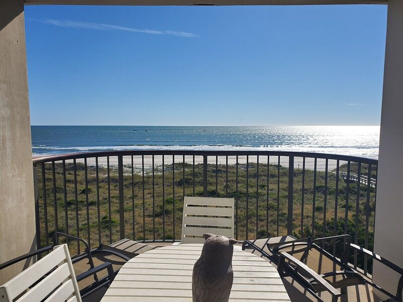 GORGEOUS Views - Ultimate 3 bed/2 bath Beach Condo, holiday rental in Ogden
