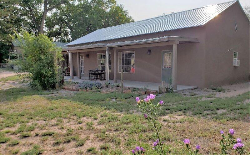Casa Merlot * Casitas On The Vineyard in Nambe, Santa Fe County, NM, aluguéis de temporada em Los Alamos