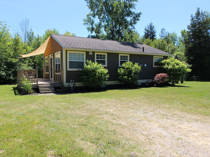 Privacy W/Lake Michigan Access To 1,000' Of Shared Beach., location de vacances à Bloomingdale