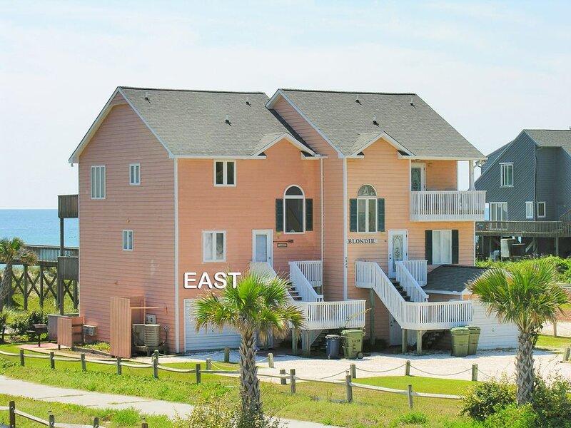 Blondie East: 4 BR / 3 BA duplex in Emerald Isle, Sleeps 8, location de vacances à Swansboro