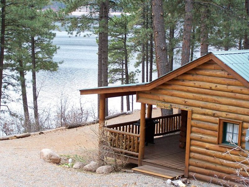 'Piney Woods' Lake Front Log Cabin, holiday rental in Bayfield