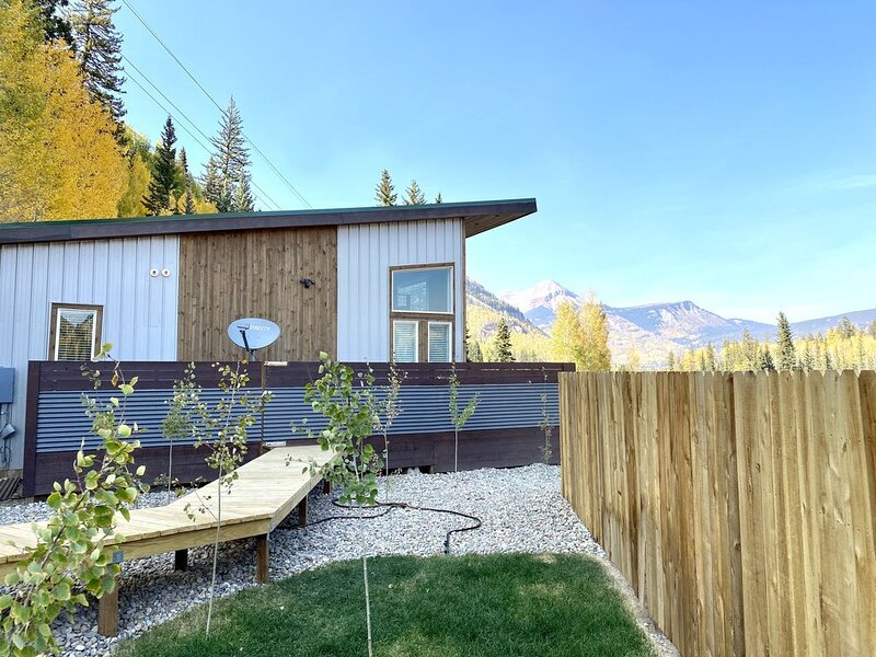 Private Cabin w/ Hot Tub near Purgatory Resort.  Best views in the Southwest!, holiday rental in Durango Mountain