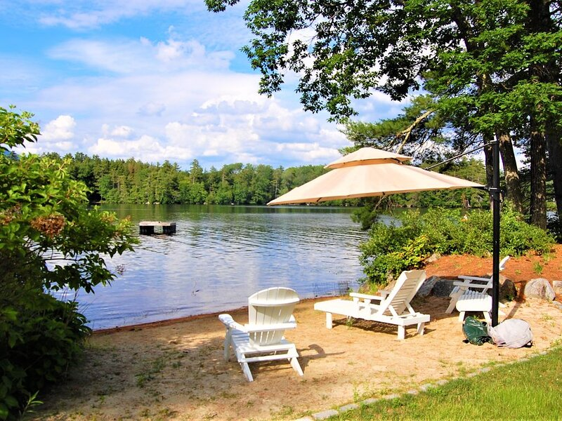 Modern private lakefront house w/ a/c wifi firepit, vacation rental in Moultonborough