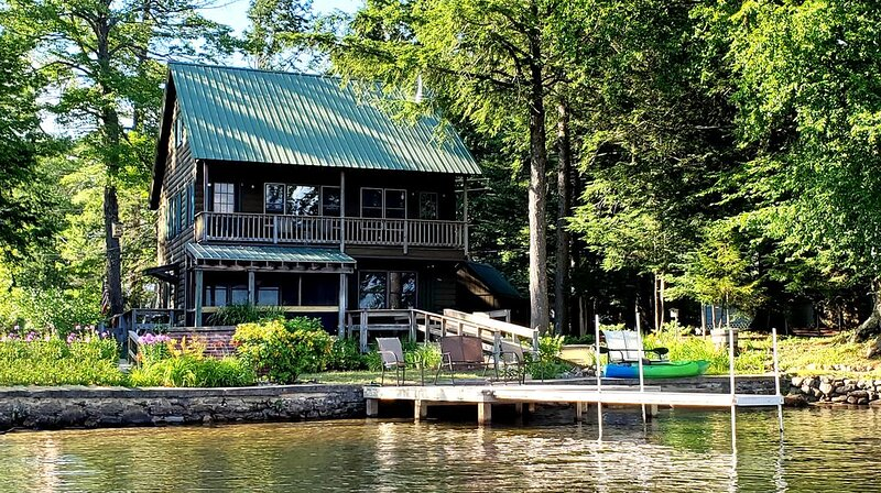 'Patriots Rest'- ADK Waterfront home w/ private dock & 1st floor bed/bath, vacation rental in Stratford